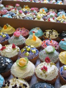 May Thursday Thought: Cupcakes for Alzheimer's